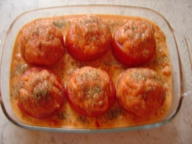 Gefüllte Tomaten mit Hack baden in Ajvar-Sauce - Rezept - Bild Nr. 4