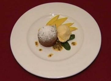Lauwarmer Schokoladenkuchen mit Mango (Margot Werner) - Rezept