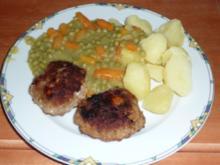 Schafskäse-Buletten mit gemischtem Gemüse und Kartoffeln - Rezept