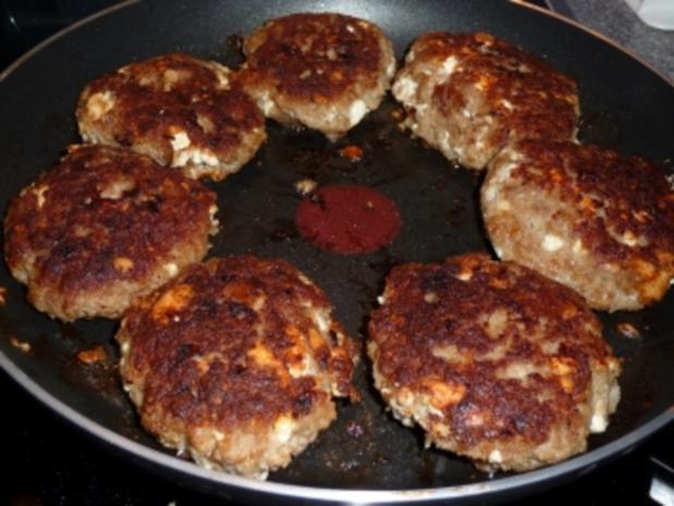 Schafskäse-Buletten mit gemischtem Gemüse und Kartoffeln - Rezept - Bild Nr. 2