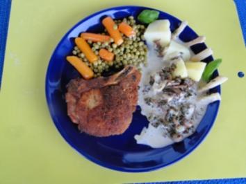 Kottelet in Sahnesause mit Blauschimmelkäse z. B.   Bavaria blue  und Erbsen und Möhrchen - Rezept