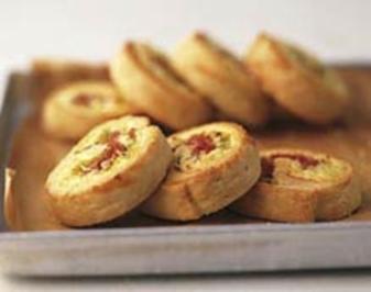 Rezept: Pikant gefüllte Hefeschnecken-Zwiebelschnecken