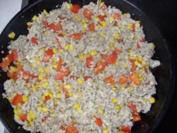 Pfannengericht - Hackfleisch-Pfanne mit Paprika, Mais, Ei - Rezept