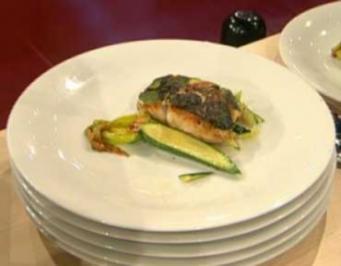 Viktoriabarsch mit Zucchini an Noilly-Prat-Soße a la Frank Buchholz - Rezept