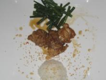 Marinierte Hähnchenkeule an grünen Bohnen und Reisbällchen - Rezept