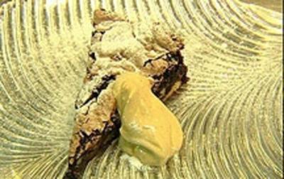 Dattel-Schokoladenkuchen mit Mascarponecreme - Rezept