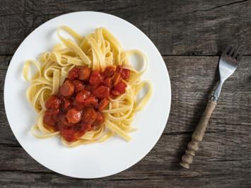 Rezept: Tomatensoße mit Wiener Würstchen nach Oma-Art