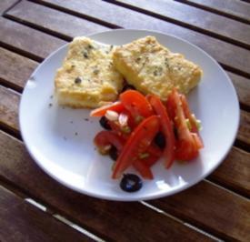 Gebackener Schafskäse mit Tomatensalat - Rezept