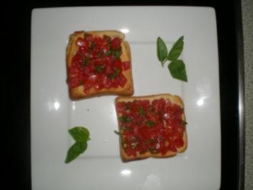 Sommersnak mit Toast und Tomaten - Rezept