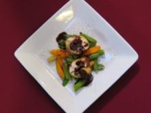 Gefülltes Bressehuhn auf Gemüse aus dem Wok - Rezept