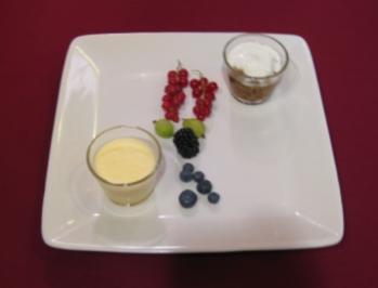 Eierlikörmousse, Caffe in forchetta und Waldfrüchte - Rezept