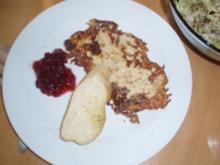 Mailänder Schnitzel mit Preiselbeeren - Rezept