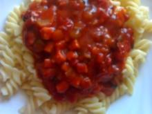 Spirelli und Tomatensoße - Rezept