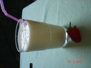 Bananen-Aprikosen-Milch - Rezept