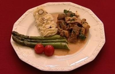 Filetspitzen an getrüffeltem Kartoffel-Sellerie-Püree und Spargel (Peter Orloff) - Rezept