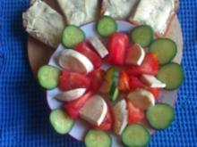 Tomaten-Mozzarella-Gurken Teller - Rezept