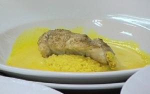 Zanderfilet mit Couscous und Safransoße - Rezept