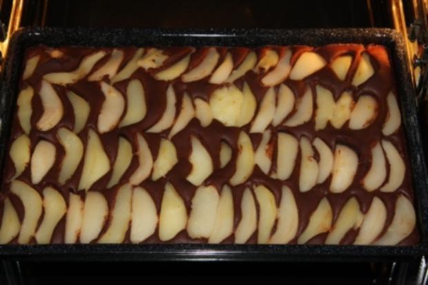 Birnen-Blechkuchen mit Schokoboden und Mandelsplittern - Rezept - Bild Nr. 4