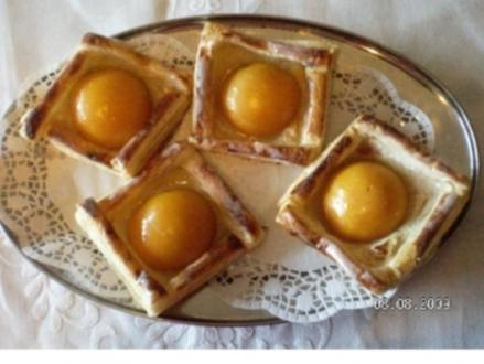 Blätterteig mit Pfirsichen - Rezept