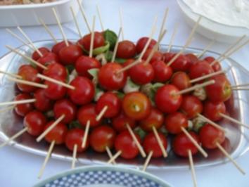 Gäste- Kugeltomaten mit Mozzarella - Rezept