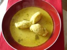 A liabe, nette, kloane Grießnockerl-Suppe - Rezept