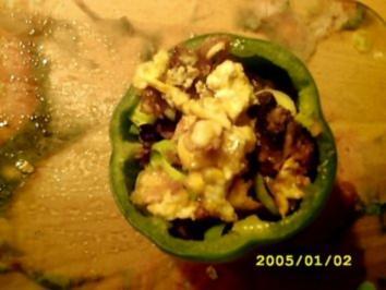 Paprika gefüllt mit Resten ausm Kühlschrank :D - Rezept