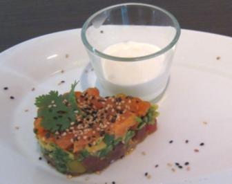 Dreierlei Tatar (Lachs, Avocado und Thunfisch) mit Meerrettichschaum - Rezept