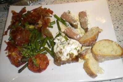 Lammlachse mit grünen Bohnen und Ziegenfrischkäse - Rezept
