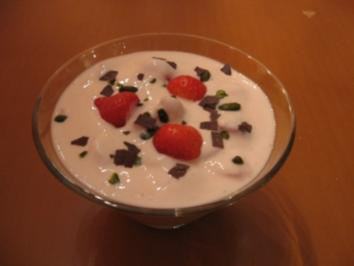 Buttermilch-Fitness-Dessert mit Erdbeeren - Rezept