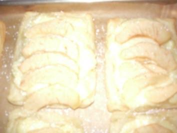 Blätterteigteile mit Pudding und Apfel - Rezept