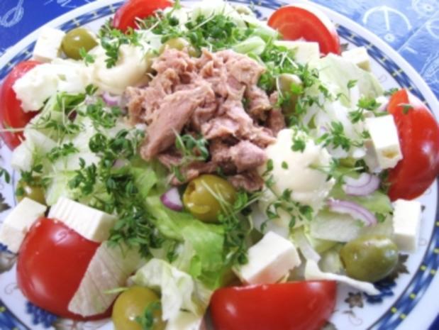 Großer Salatteller  mit Feta und Thunfisch ... - Rezept
