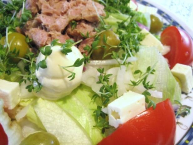 Großer Salatteller  mit Feta und Thunfisch ... - Rezept - Bild Nr. 2