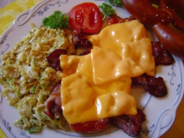 """Flachland-Tiroler""-Schnitzel mit Chinakohl, Bacon. Käse und Tomate... - Rezept - Bild Nr. 2"