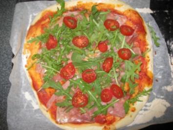 Pizza Crudo e Rucola (...e Grana) - Rezept