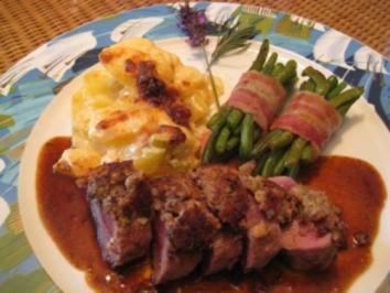 Lammrückenfilet mit Oliven-Knoblauchkruste  & Lavendelbutterjus - Rezept