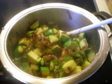 Zucchini Zwiebel Gemüse als Beilage - Rezept