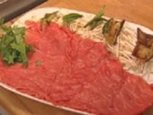 Japanisches Fondue mit Huhn, Rind und frischem Gemüse - Rezept