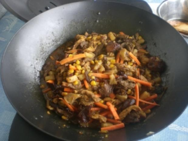 """Wokgericht """"Thai"""" mi Ananas und Curry - Rezept - Bild Nr. 4"""