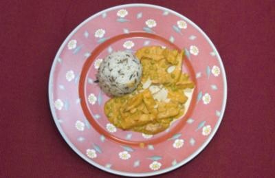 Rezept: Shahi Paneer - Indischer Käse in Tomaten-Sahne-Soße mit Mandeln (Wolfgang Bahro)