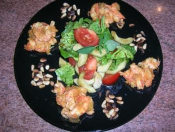 Kleiner Salat mit Krebsfleisch und Scampis in gelbem Tomaten-Chutney - Rezept