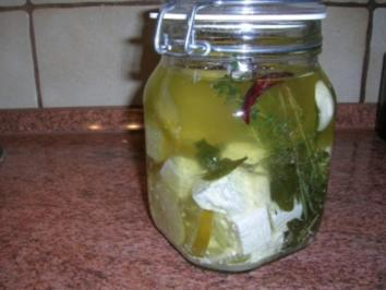 Schafskäse eingelegt mit Kräutern, Knoblauch und Olivenöl (Fotos) - Rezept