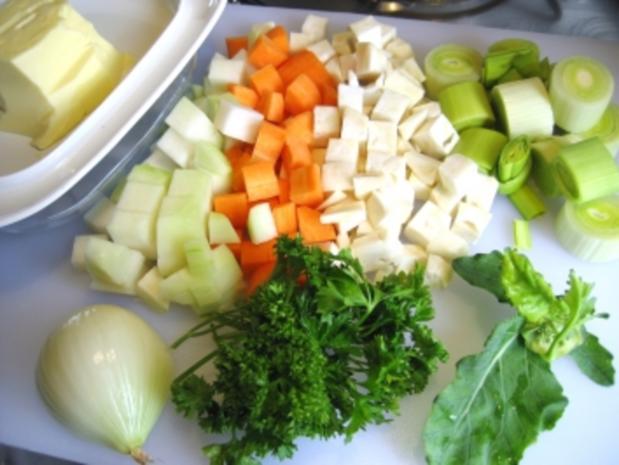 Leberknödel im Gemüsebett - Rezept - Bild Nr. 2
