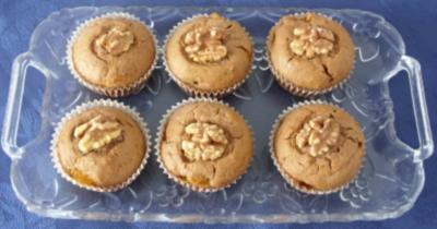 Rezept: Kleingebäck - Mandarinen-Nuss-Muffins