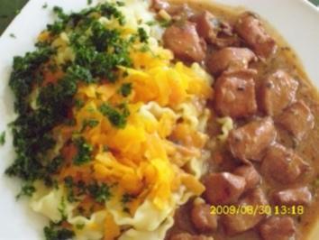 Fleisch:  Kaninchenragout mit Karotten-Nudeln - Rezept