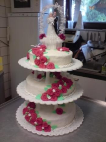 Hochzeitstorte 3 Stockig Rezept Mit Bild Kochbar De