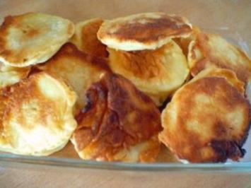 Apfelküchle mit Zucker und Zimt - Rezept