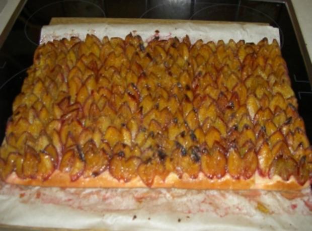 Pflaumenkuchen auf Hefeteig - Rezept
