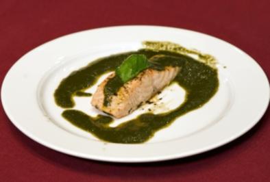 Biolachs im Ofen konfiert mit Olivenöl-Basilikumemulsion (Reiner Calmund) - Rezept