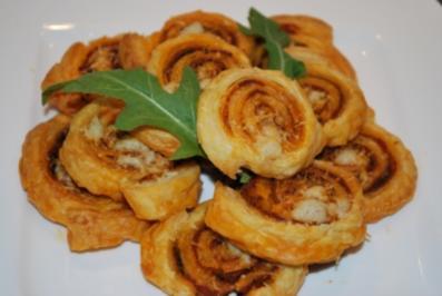 Blätterteigschnecken mit Pesto und Rucola - Rezept