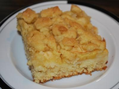 Schneller Apfel-Streusel-Kuchen vom Blech - Rezept